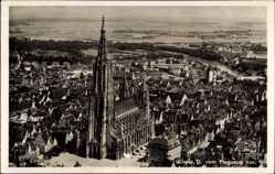 Postcard Ulm an der Donau Baden Württemberg, Fliegeraufnahme mit Dom