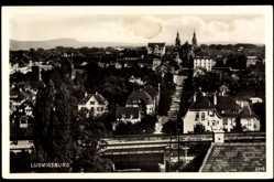Postcard Ludwigsburg in Baden Württemberg, Stadtblick, Straßenpartie, Bahnstrecke