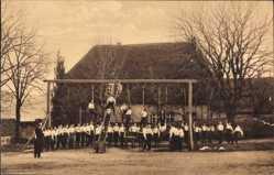 Ansichtskarte / Postkarte Meißen in Sachsen, St. Afra, Zwinger, Turnen am Gerät und Springen