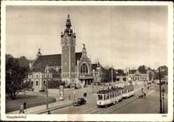 Ak Gdańsk Danzig, Straßenbahn vor dem Hauptbahnhof
