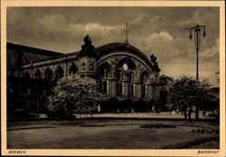 Postcard Hansestadt Bremen, Blick auf den Bahnhof, Straßenseite, Eingang