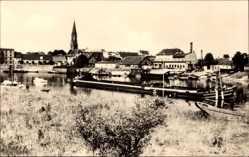 Postcard Wittenberge in der Prignitz, Blick auf den Hafen,Schlepper,Kirchturm