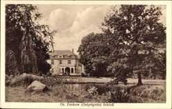 Postcard Groß Pankow Prignitz, Blick auf das Schloss aus der Ferne mit Teich