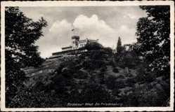 Ansichtskarte / Postkarte Radebeul West Sachsen, Blick auf die Friedensburg, Berg, Fahne