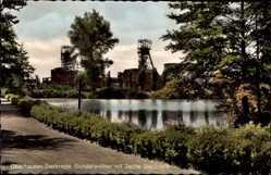 Postcard Oberhausen Sterkrade am Rhein, Partie am Gondelweiher mit Blick auf Zeche