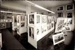 Foto Ak Oberhausen am Rhein, Innenansicht einer Galerie