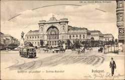 Postcard Budapest Ungarn, Blick auf den Zentralbahnhof, Straßenseite, Straßenbahn