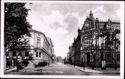 Ak Leszno Lissa Posen, Adolf Hitler Straße, Straßenpartie, Gebäude