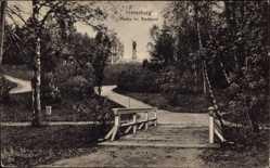 Ak Tschernjachowsk Insterburg Ostpreußen, Partie im Stadtpark, Holzbrücke