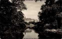 Foto Ak Oberhausen am Rhein, Flusspartie mit Blick auf das Schloss
