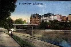 Postcard Saarbrücken im Saarland, Flusspartie, Luisenbrücke und Umgebung