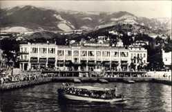 Postcard Krim Ukraine, Gaststätte am Wasser, Motorboot, Gebirge