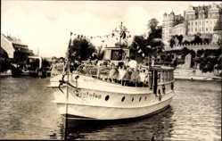Postcard Bernburg an der Saale Salzlandkreis, Schloß mit MS Saalefee