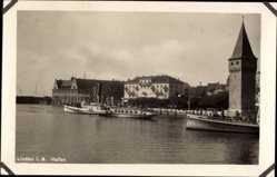 Foto Ak Lindau im Bodensee Schwaben, Hafenpartie mit Salondampfer Lindau