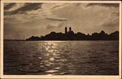 Postcard Friedrichshafen am Bodensee, Abendstimmung auf dem See, Zeppelin