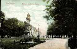 Postcard Karlsruhe, Blick auf den Kaiser Wilhelm Platz, Laterne, Spazierweg