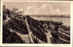Postcard Tangermünde, Anlagen am Burgberg, Freitreppe, Schiffe, Gebüsch