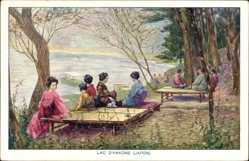 Künstler Ak Japan, Lac d'Hakone, Frauen und Männer am Fluss, Kimonos