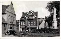 Postcard Hebbelstadt Wesselburen, Partie am Markt mit Denkmal