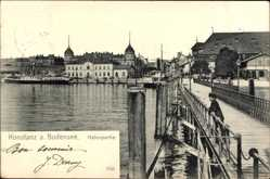Postcard Konstanz am Bodensee, Hafenpartie, Stadtansicht, Schiffe, Steg, Passant