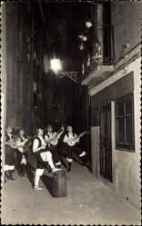 Postcard Zaragoza Saragossa Andalusien, Baturros de ronda, Spanische Musiker, Balkon