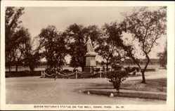 Postcard Rawalpindi Pakistan, Queen Victoria's Statue on the Mall