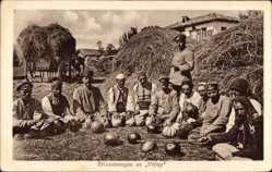 Postcard Prilep Mazedonien, Deutsche Soldaten mit Mazedoniern, Melonen