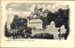 Postcard Stuttgart in Baden Württemberg, Passanten am Kaiser Wilhelm Denkmal