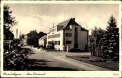 Postcard Gardelegen im Altmarkkreis Salzwedel, Straßenpartie am Postamt, Park