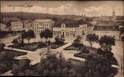 Postcard Neustrelitz am Zierker See, Blick auf den Markt, Denkmal