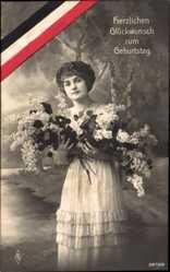 Ak Glückwunsch Geburtstag, Frau mit Blumensträußen, PFB 3672 6