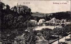Postcard Weilburg im Lahntal, Ortschaft mit Flusspartie und Schloss