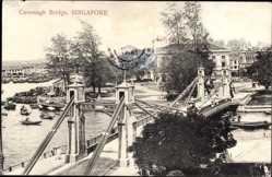 Postcard Singapur, Cavenagh Bridge, Blick auf eine Brücke, Boote, Häuser