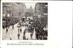 Postcard Chemnitz Sachsen, Dampfkesseltransport, Feldlok, Passanten, Innenstadt
