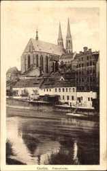 Postcard Görlitz, Blick auf die Peterskirche, Flusspartie, Glockentürme