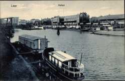 Postcard Leer in Ostfriesland, Blick über den Hafen, Hausboot, Anlegestelle