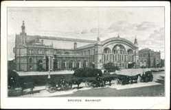 Postcard Bremen, Blick auf den Bahnhof, Kutschen, Uhr, Gebäude