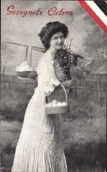 Postcard Glückwunsch Ostern, Junge Frau mit Ostereierkörben, Patriotik