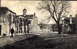 Postcard Urcel Aisne, Straßenpartie mit Blick auf Kirche, Häuser