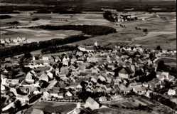 Postcard Vilseck an der Vils Oberpfalz, Totalansicht der Ortschaft, Fliegeraufnahme