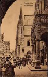 Postcard Münster in Westfalen, Partie am Weinhaus, Marktplatz, Kirchturm