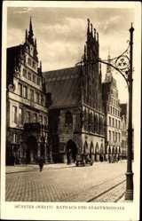 Postcard Münster in Westfalen, Blick auf das Rathaus und Stadtweinhaus, Giebel