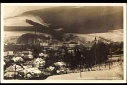 Ak Wüstewaltersdorf Eulengebirge Schlesien, Blick auf den Ort im Winter