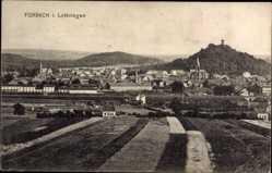 Postcard Forbach Moselle Lothringen, Totalansicht der Ortschaft, Burg, Felder