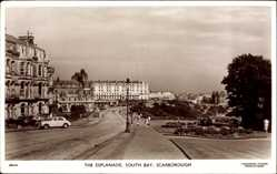 Postcard Scarborough Yorkshire England, The Esplanade, South Bay, street, car