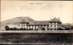 Postcard Mens Isère, École Modèle, Blick zum Schulgebäude