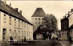 Postcard Pasewalk in Mecklenburg Vorpommern, Prenzlauer Tor und Kreiskrankenhaus