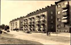 Postcard Rathenow im Havelland, Blick in die Leninallee, Autos, Fahrradfahrer