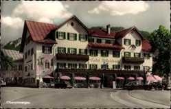 Postcard Oberammergau in Oberbayern, Hotel Wittelsbach, Straßenpartie, Auto