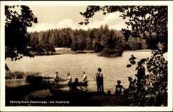Postcard Pöllwitz Zeulenroda Triebes Thüringen, Partie am Forstteich, Kinder in Booten